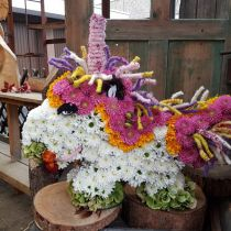 Licorne mousse florale 68cm x 60cm